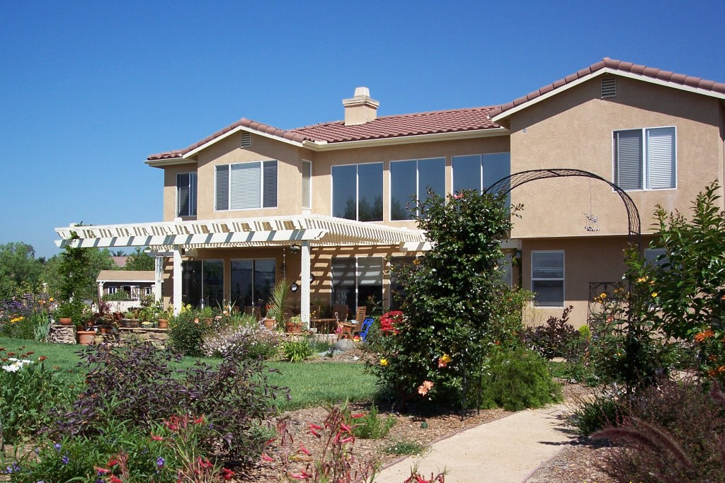 Living Spaces San Marcos : Beautiful drought tolerant garden in San Marcos